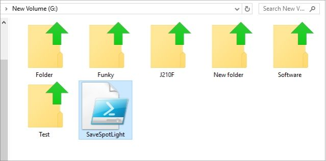 save windows 10 lock screen wallpaper script