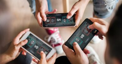 best mobile games with voice chat